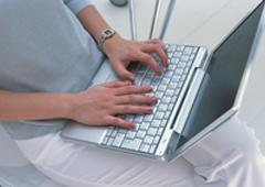 weblap készítés laptop kép